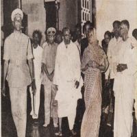 Smt. Indira Gandhi, accompanied by Swami Ranganathananda and the Committee's office-bearers, entering the Sabha Mandapam.